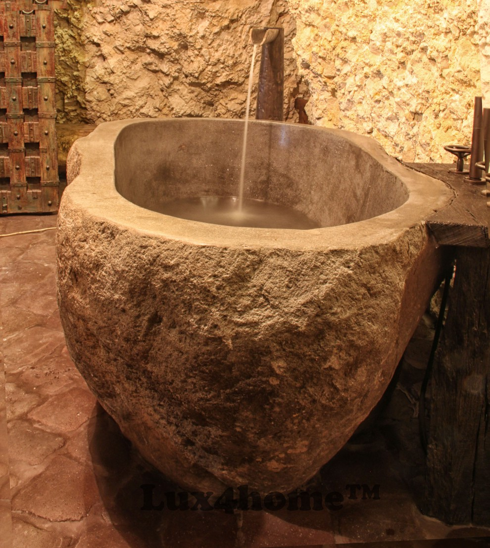 River stone bathtub