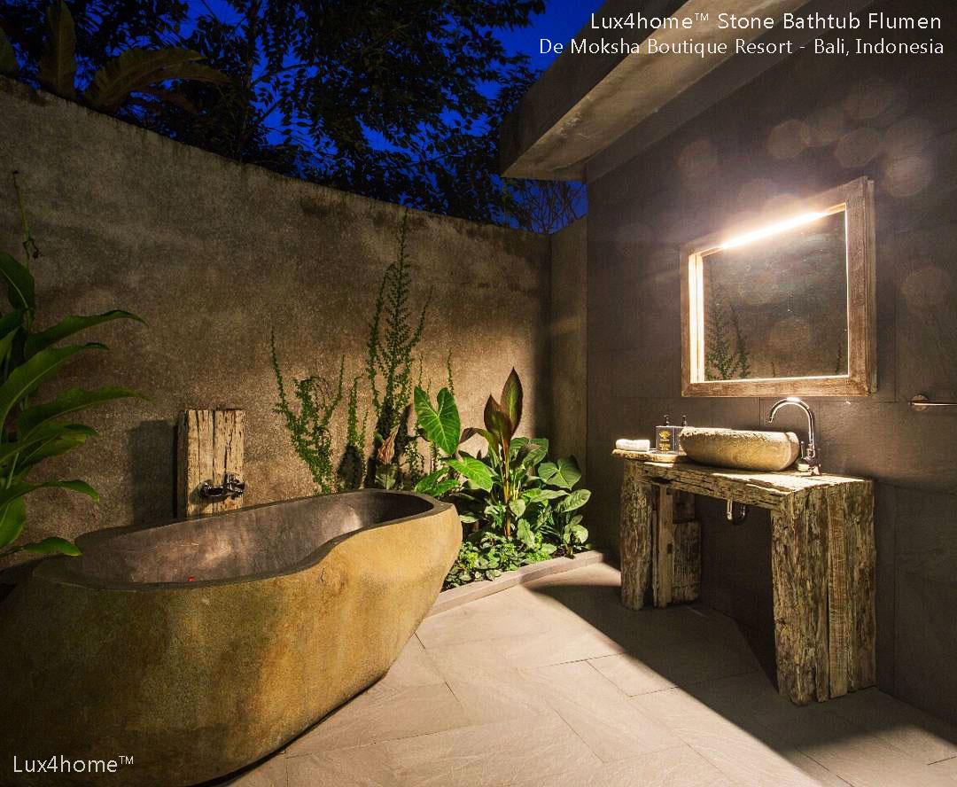 Boulder Stone Bathtub