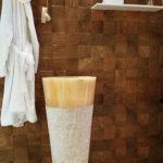 Onyx pedestal Sink