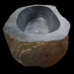 Flumen - Natural River Stone Bathtub