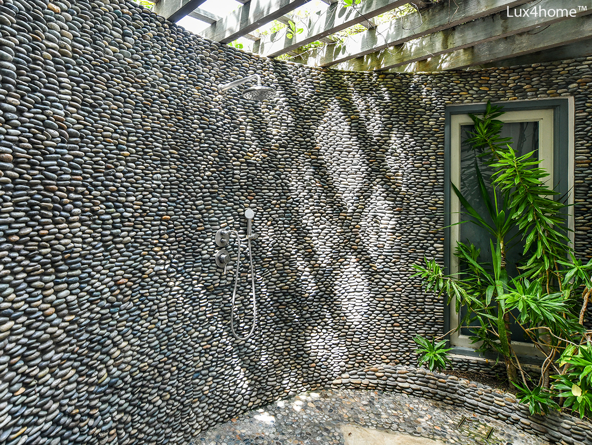 3D Standging Pebble Wall