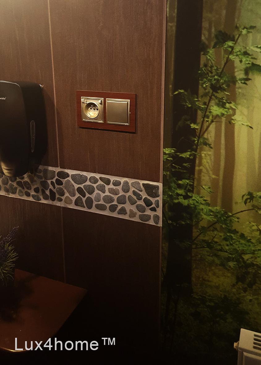 Grey Pebble Borders Bathroom   Pebble Border Tile