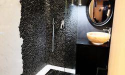 Pebble Shower - Black Pebble Tiles