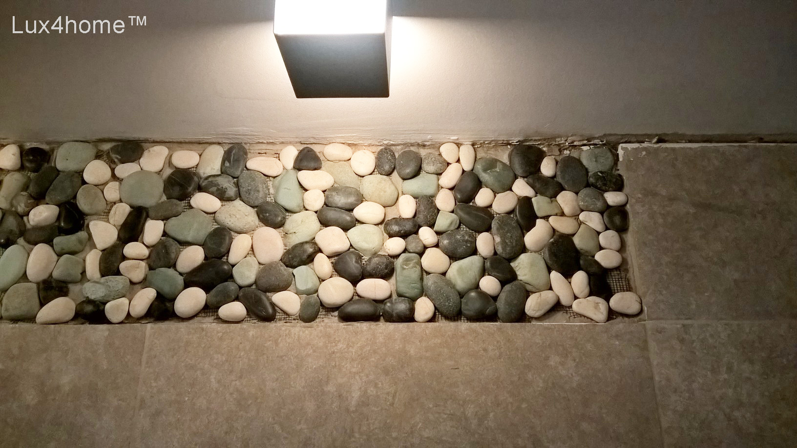 Pebble stone on mesh - mosaic pebble tile