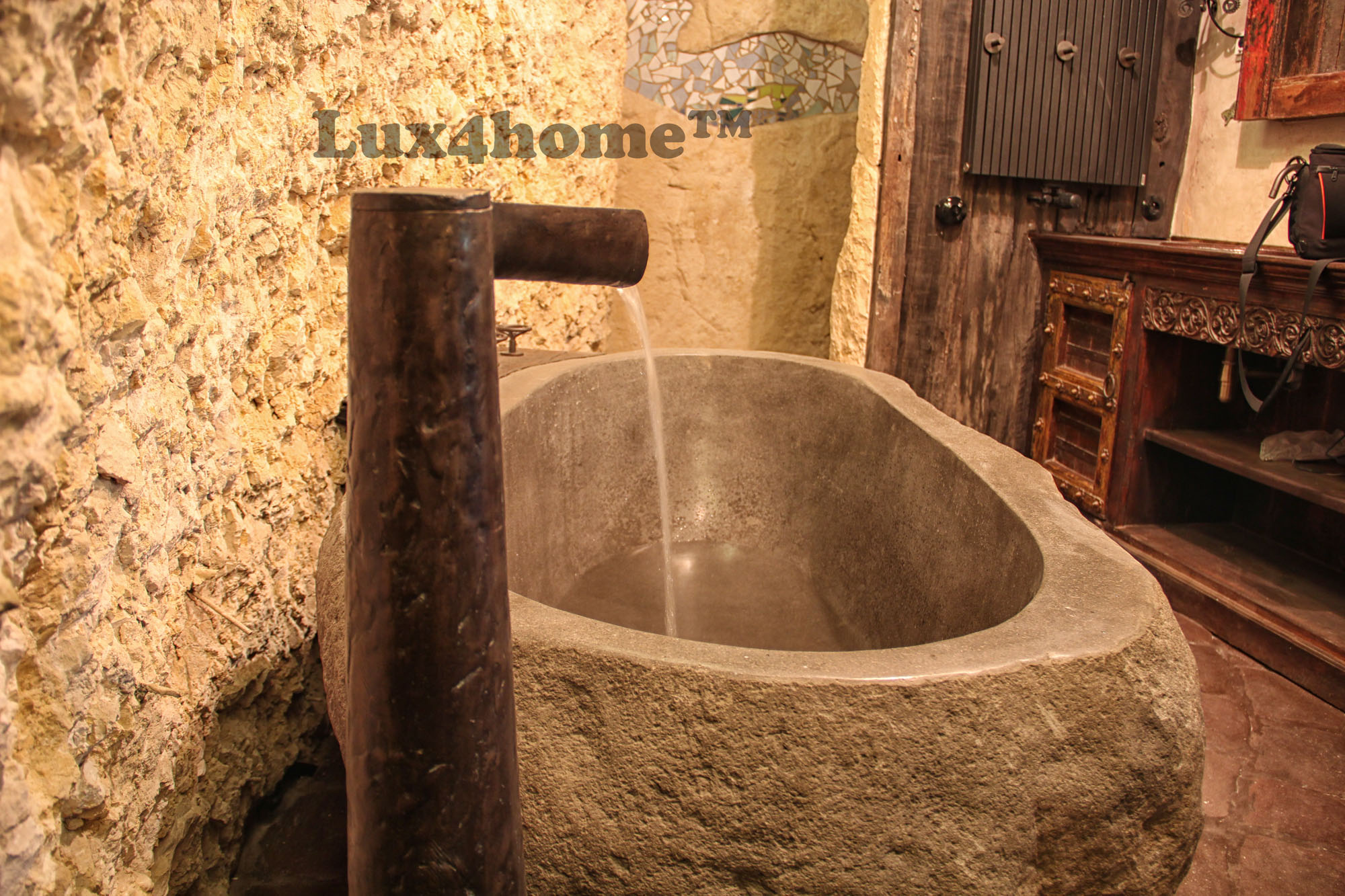 River stone bathtub producer - soaking bathtub Lux4home.com